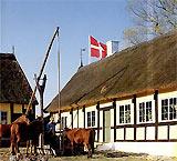 Hier haben sie eine Möglichkeit  Unterhaltung - Action -  auf Bornholm zu finden kommen sie rein:  -  Melstedgård