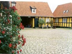 <b> overnatning Bornholm </b>    -  Søllingsgaard