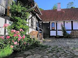 billig Ferienhaus - Ferienwohnung - Nordbornholm - Privat    -  Baadstad-Strand ferielejligheder